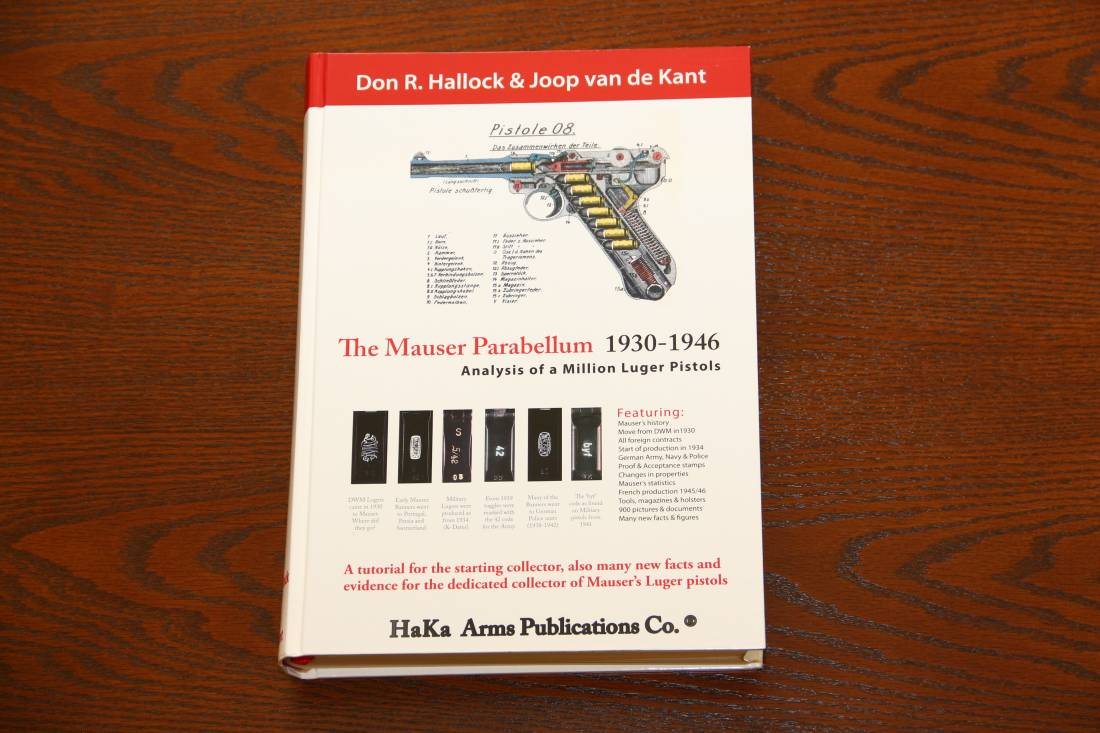Фото Большая книга «The Mauser Parabellum 1930-1946» Analysis of a Million Luger Pistols