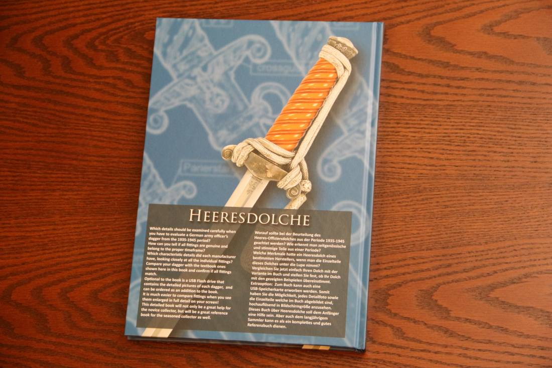 Фото Справочник «Heeresdolche - A Reference Guide for Collectors»