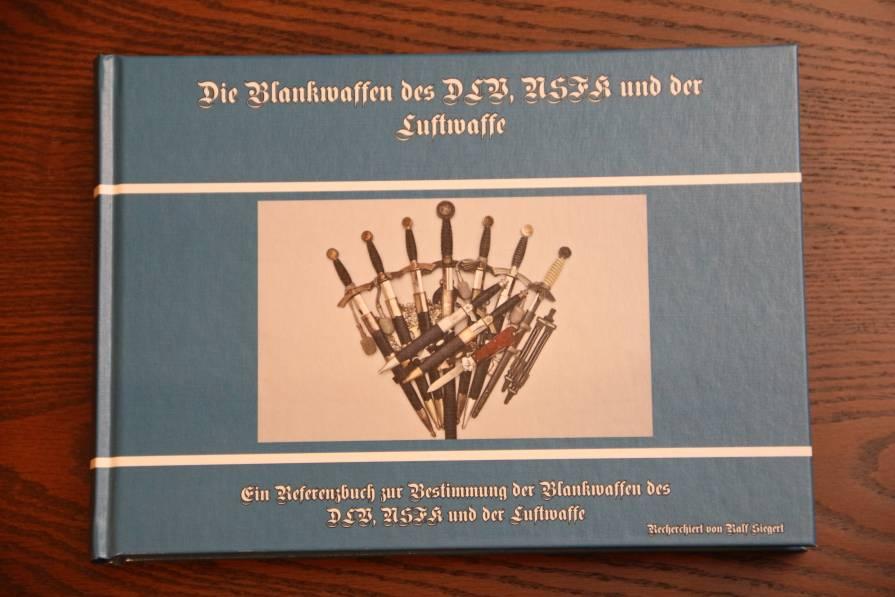 Фото Справочник «Die Blankwaffen des DLV, NSFK und der Luftwaffe»