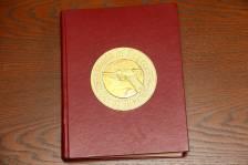 Справочник по пистолету Люгер «World of Lugers», 1977 год, автограф автора