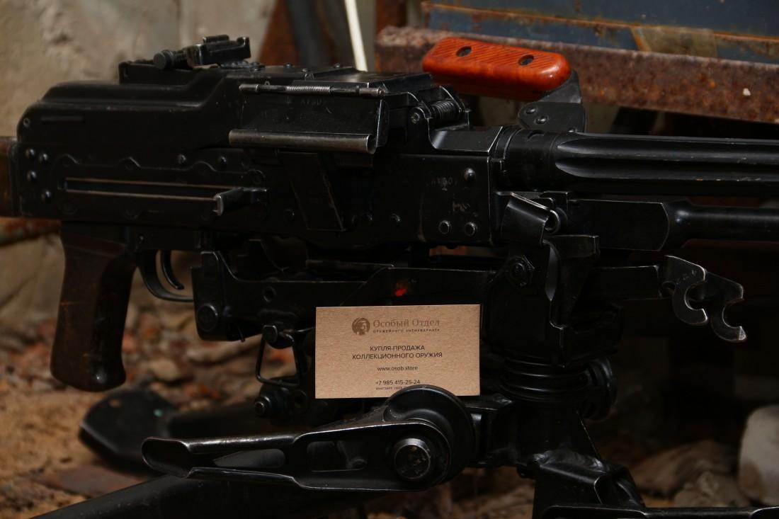 Фото Советский пулемет Калашникова  1965 года «ПК» №АТ307 на станке Саможенкова