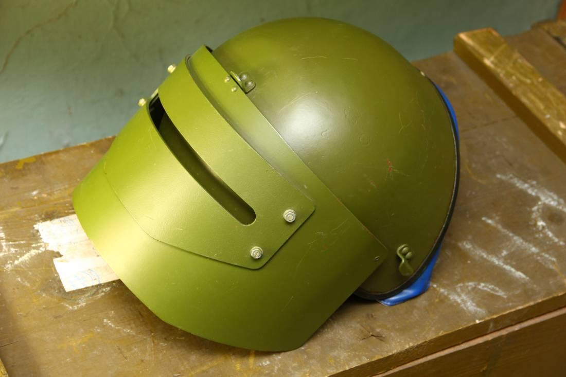 Фото Складская «шлем маска-1щ» 1993 года