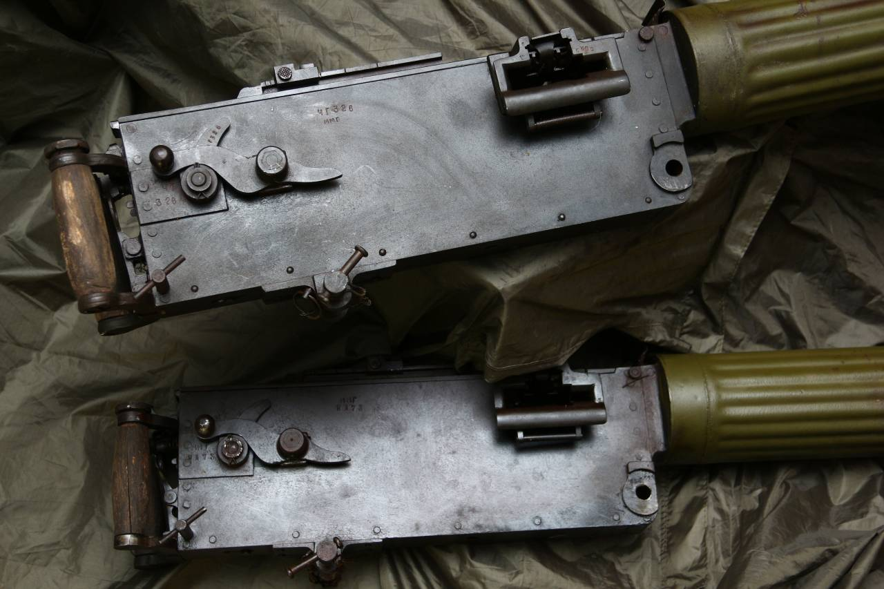 Подвезли тела пулеметов Максим
