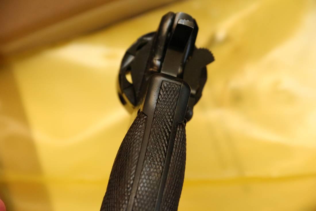 Фото Охолощенный револьвер Наган 1929 года, №670, переходный