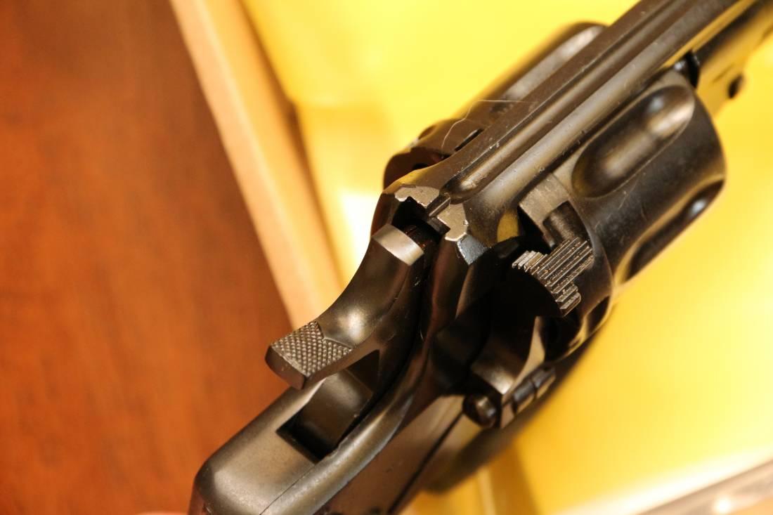 Фото Охолощенный револьвер Наган 1930 года №26051, в родне