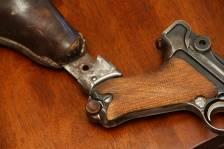 Необычная кобура для пистолета Люгер Р08