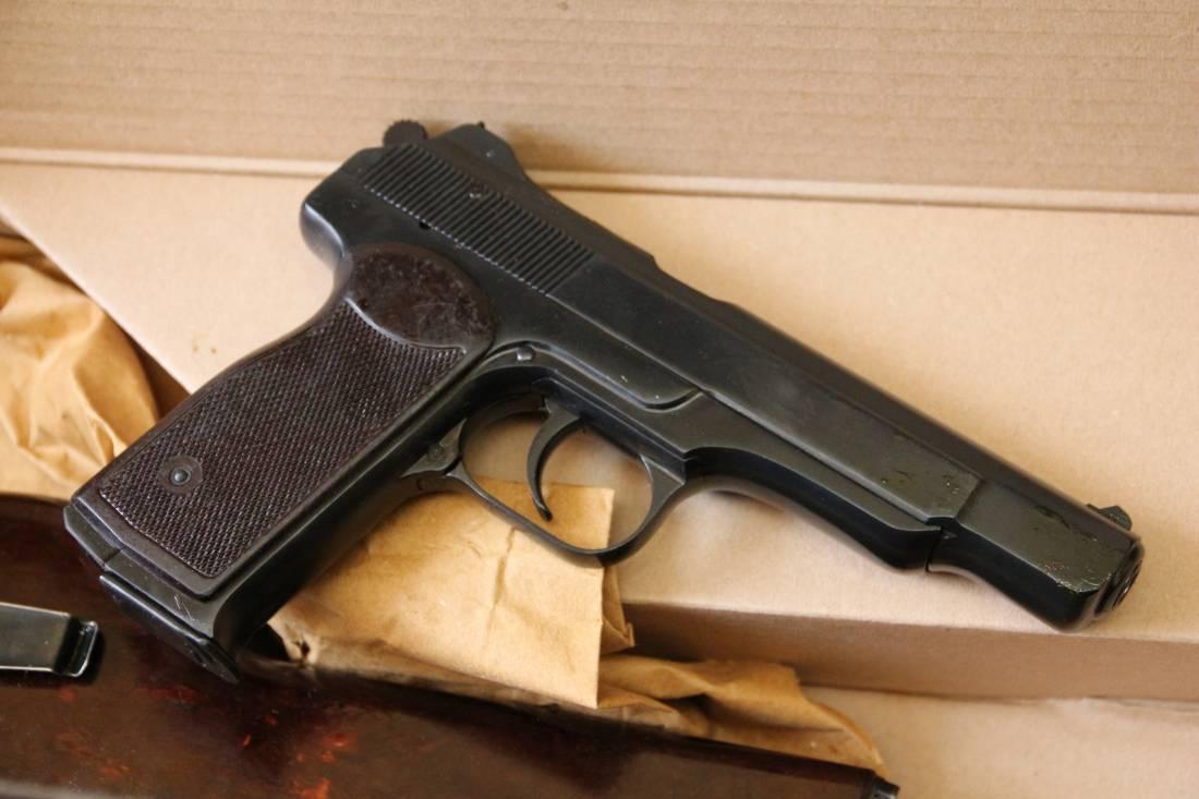 Фото Охолощенный пистолет Стечкина 1954 год, №СВ1360, коллекционное состояние
