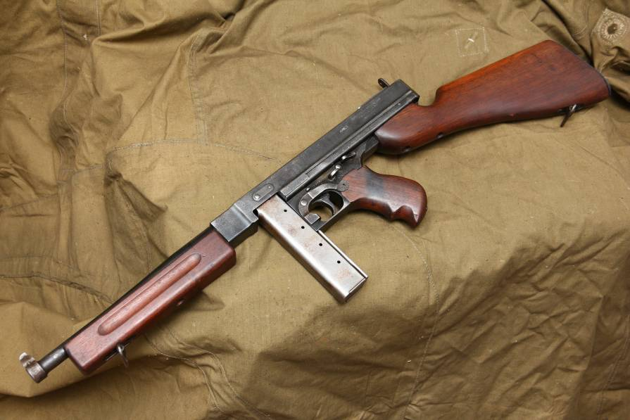 Фото Пистолет-пулемет Томпсон М1; 1942 год; #73455; ленд-лиз