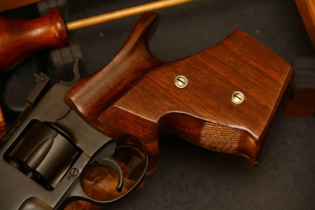 Фото Сигнальный револьвер ТОЗ-49М, №900557, выпуск 1950-60ые годы