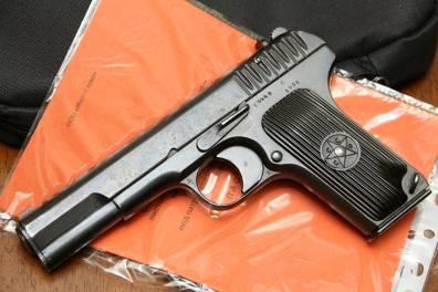 Охолощенный ранний пистолет ТТ-СХ 1935 года, №5442, модификация ТТ-30