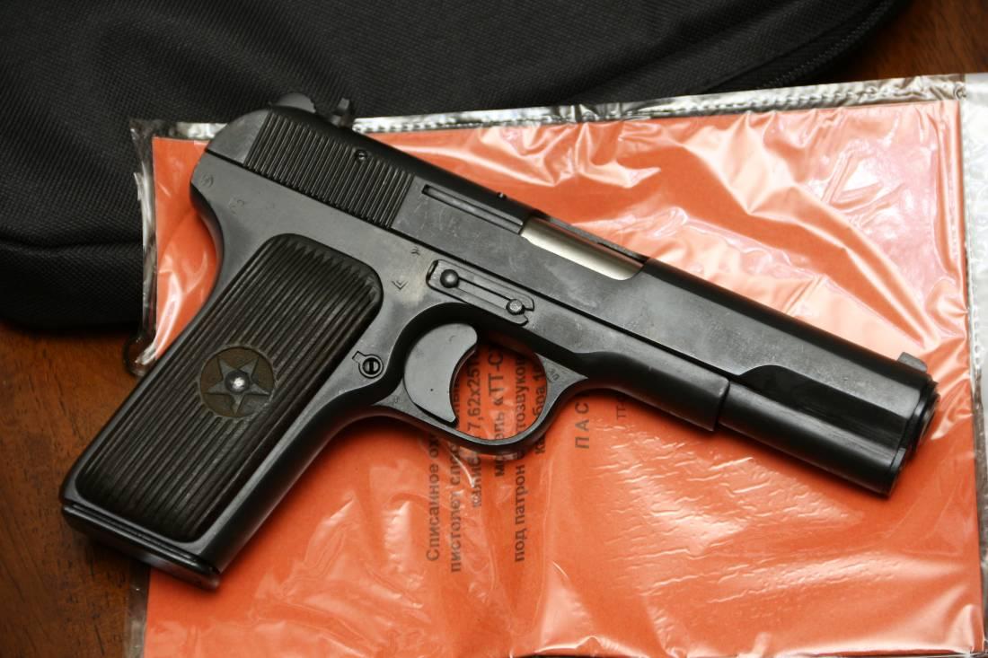 Фото Охолощенный пистолет ТТ-СХ 1953 года, №НБ197