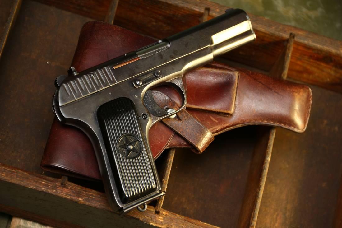Фото Советский военный пистолет ТТ 1942 года №ЗЖ4966