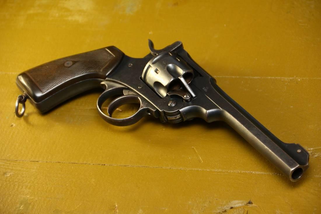 Фото Револьвер Webley MK VI #228764