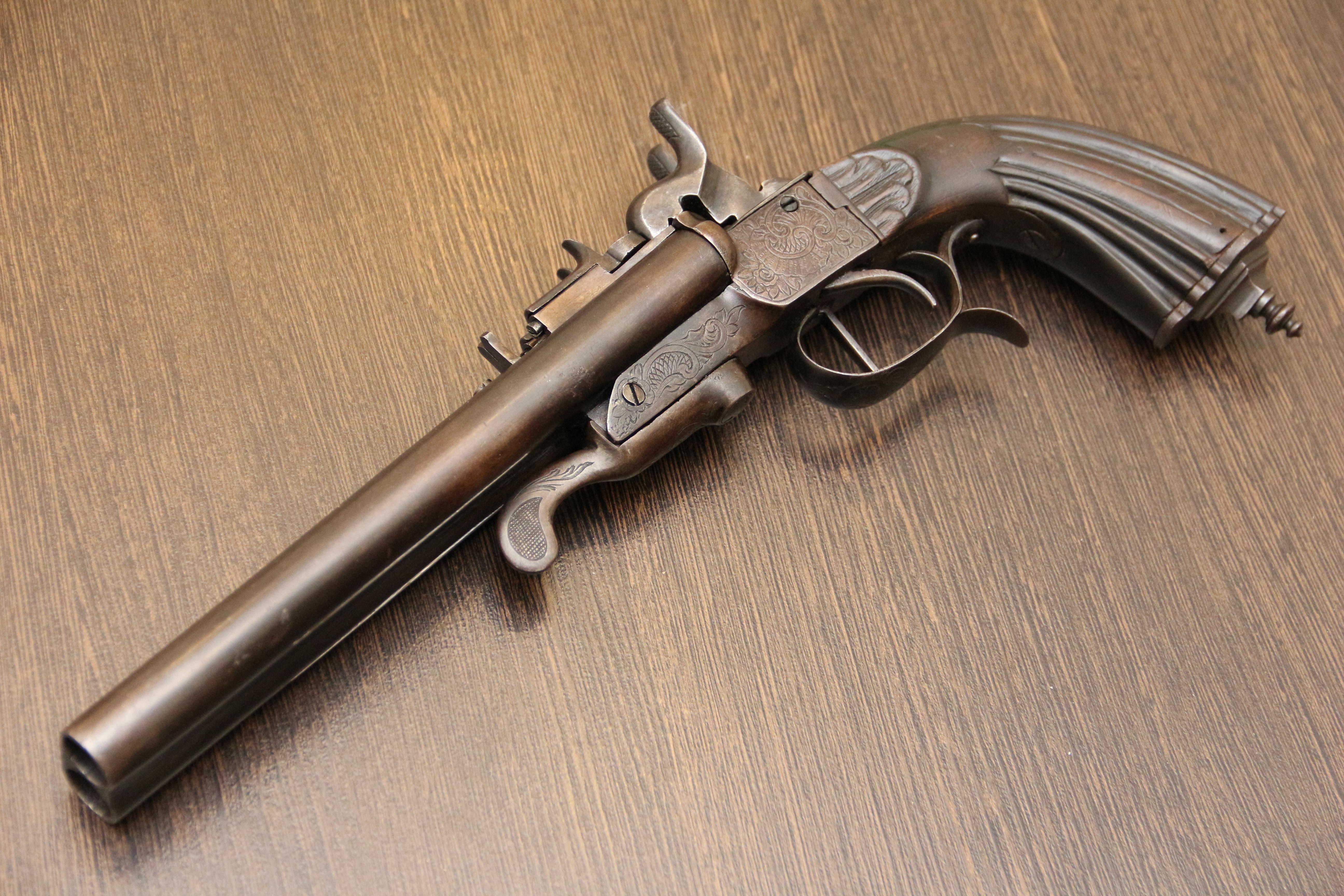Фото Двуствольный пистолет фирмы J. P. Бельгия 1875-85 гг