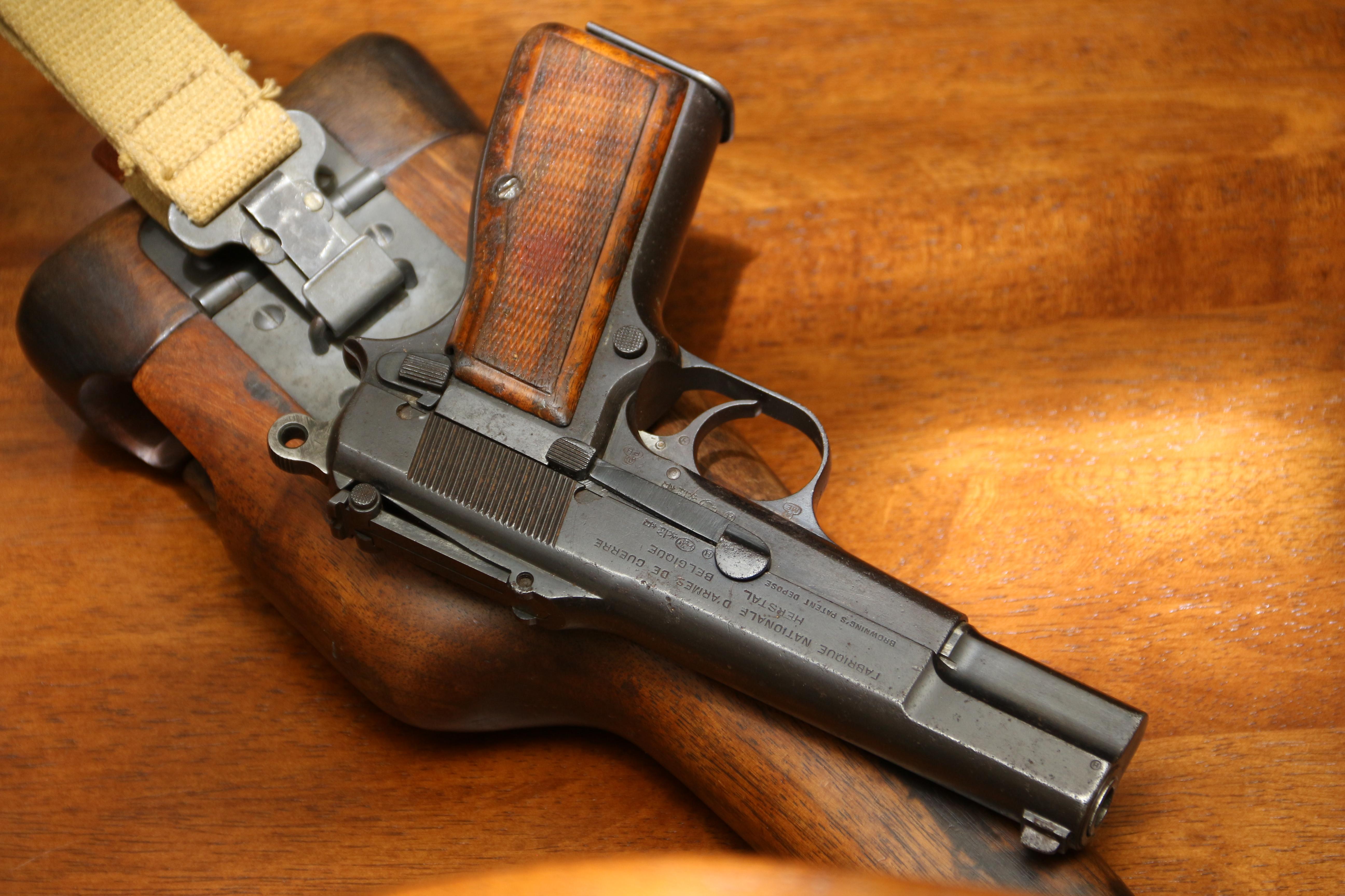 Фото Пистолет Browning High Power #17307 «ранний выпуск» с секторным прицелом