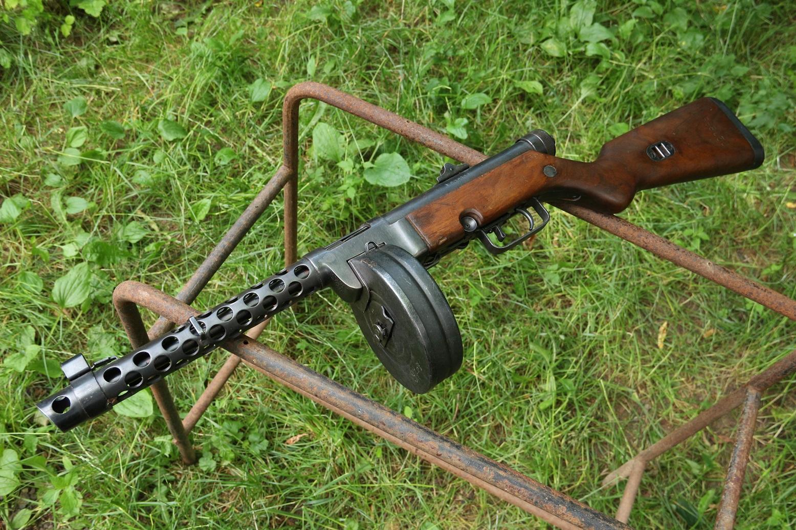 Фото Охолощенный пистолет-пулемет М49/57, №АА20888