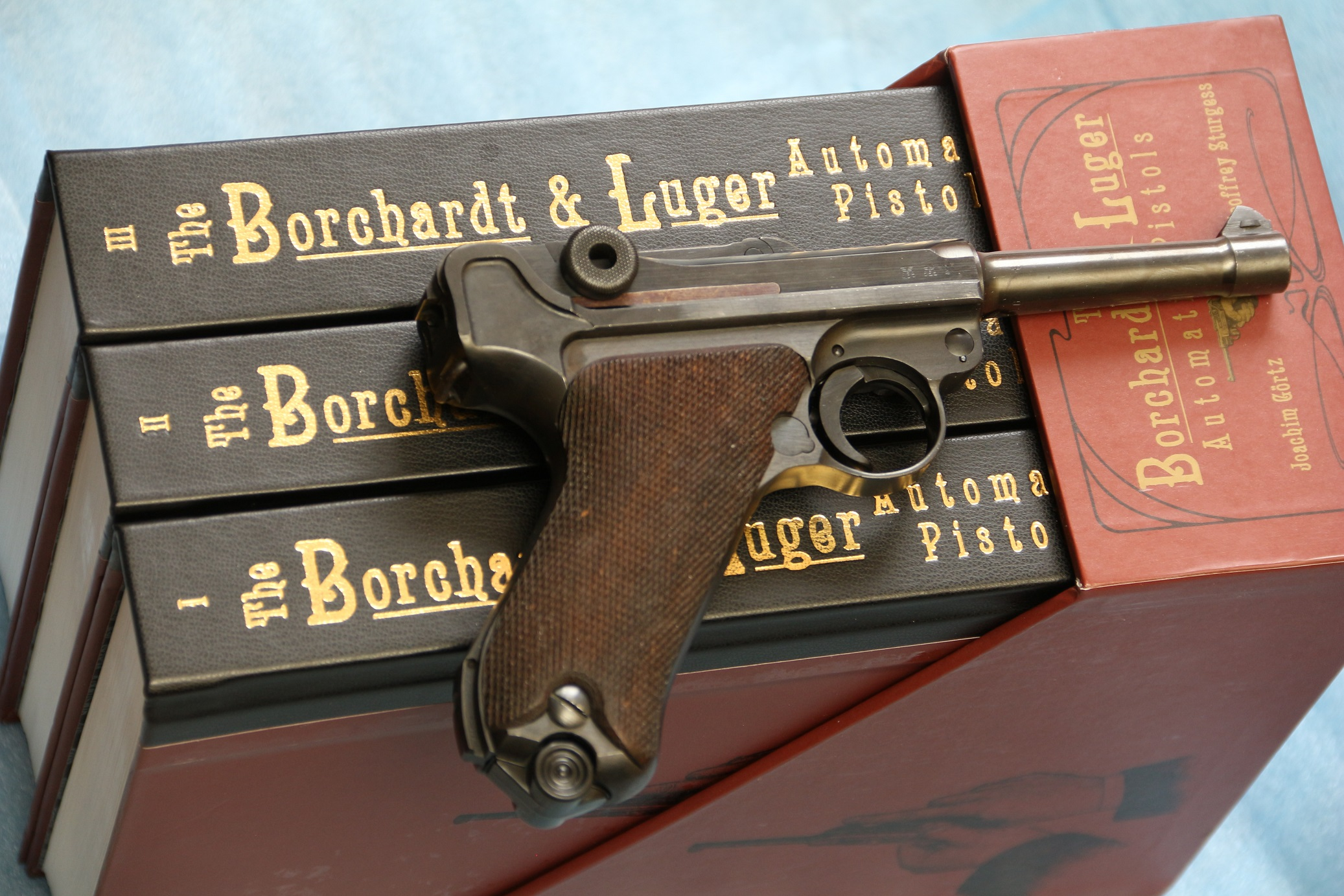 Фото Трилогия с DVD-дисками «The Borchardt & Luger Automatic Pistols» №2