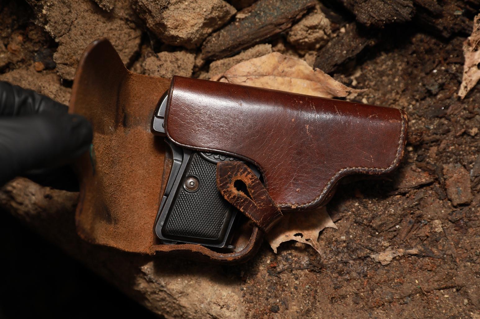 Жилетный пистолет Browning FN1906 #258030, родная советская кобура