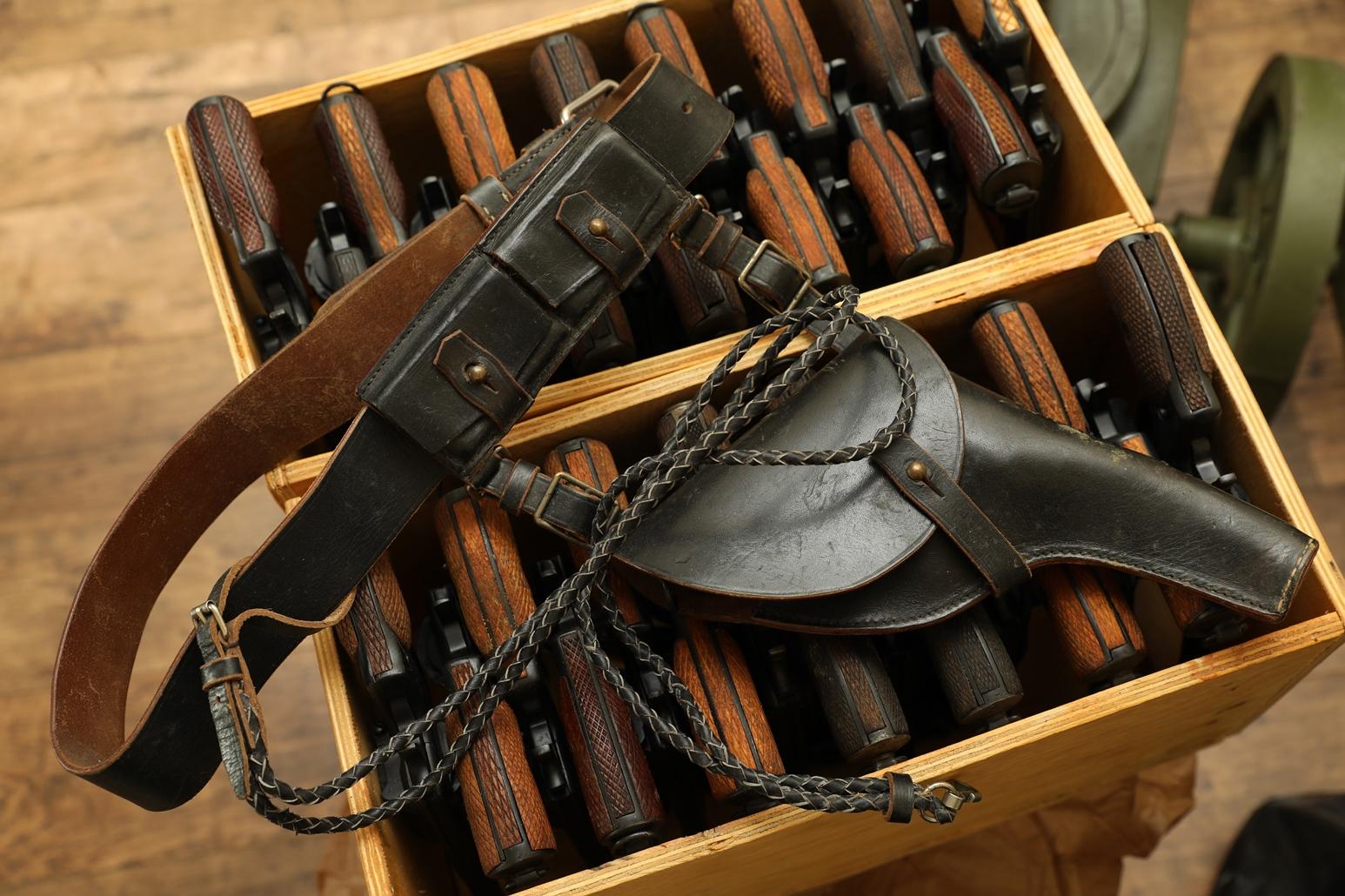Фото Комплект снаряжения для револьвера Наган, 1934 год, ранний «морячок»