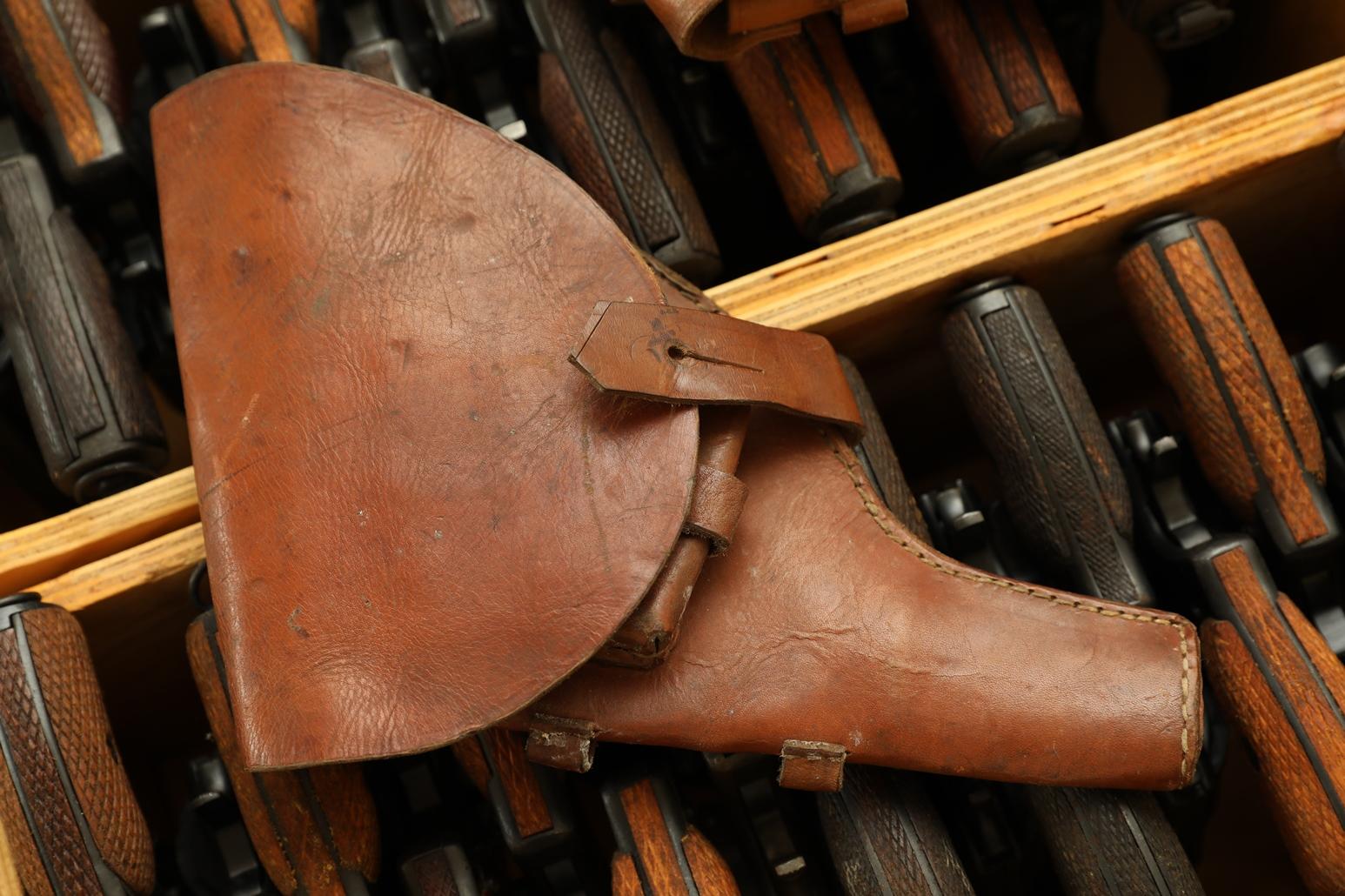 Фото Царская кобура для револьвера Наган, 1914 год, склад