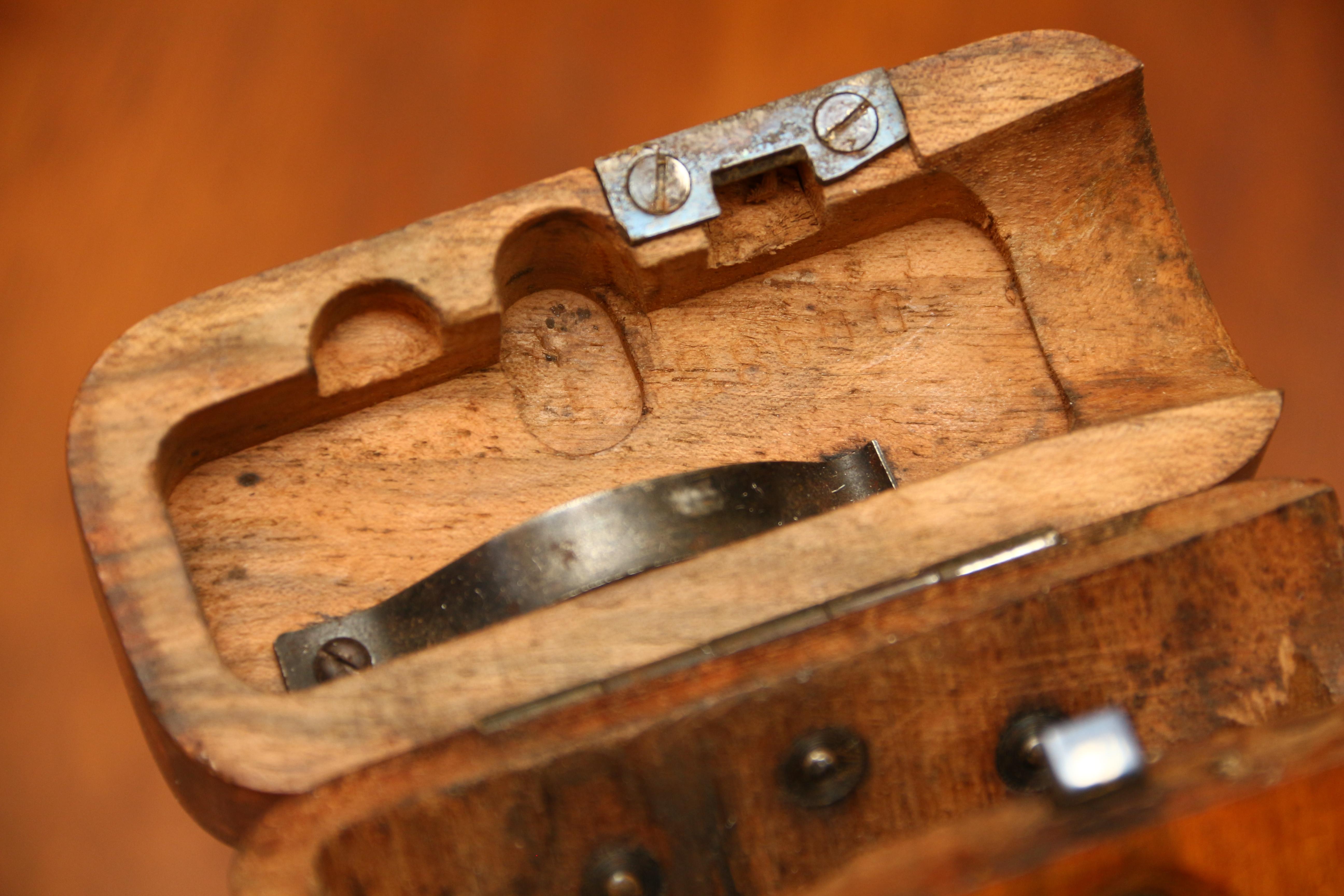 Фото Оригинальная деревянная кобура к пистолету Astra 900