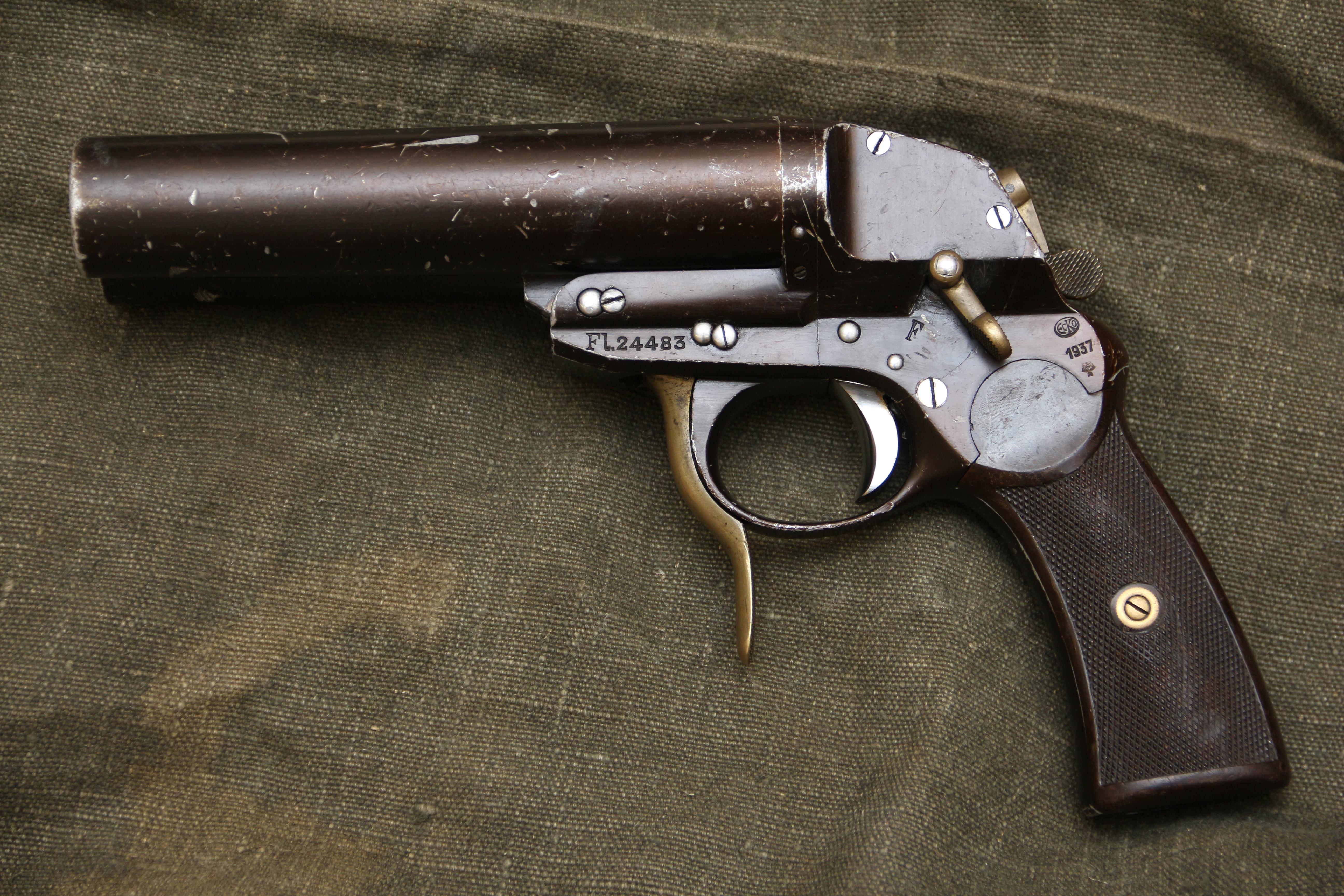 Немецкая ракетница Luftwaffe Flieger-Leuchtpistole №3273