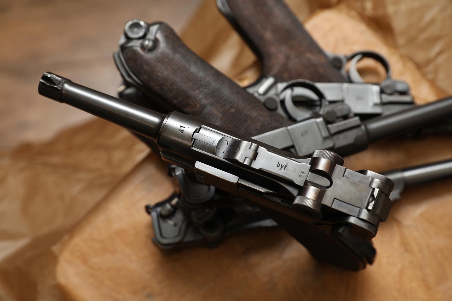 Пистолет Luger P08 1941 года, №2564, «черная вдова»