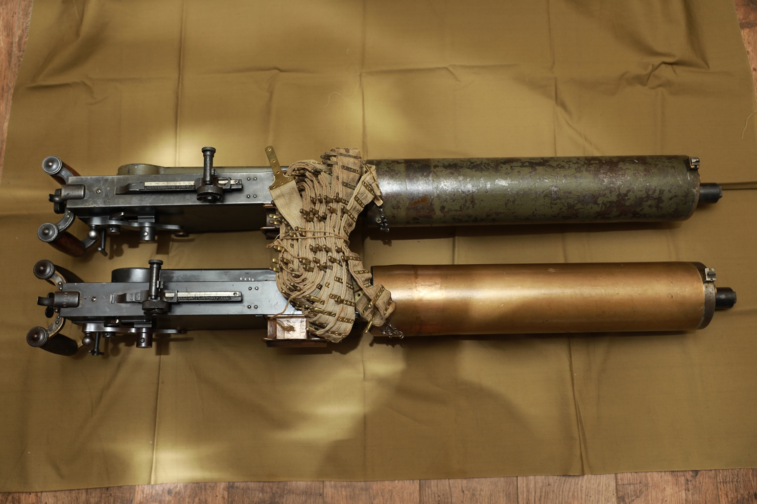 Фото Царский пулемет Максим, №8189, бронза