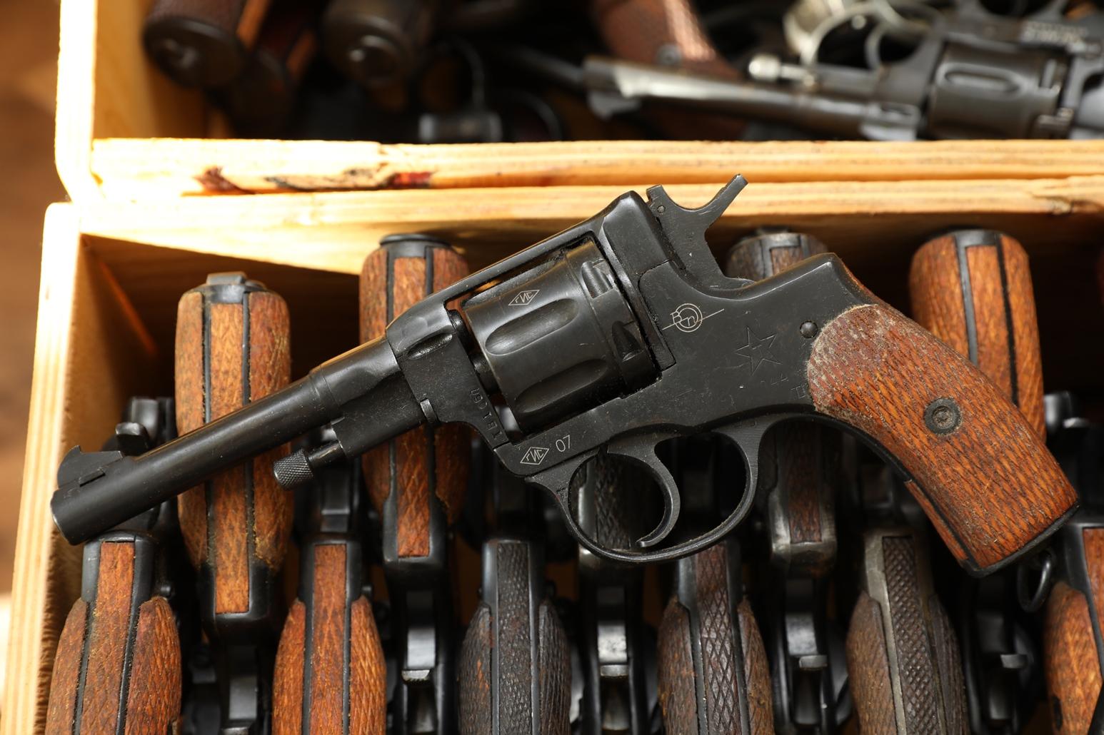 Фото Сигнальный револьвер Наган Блеф 1944 года №ТВ106