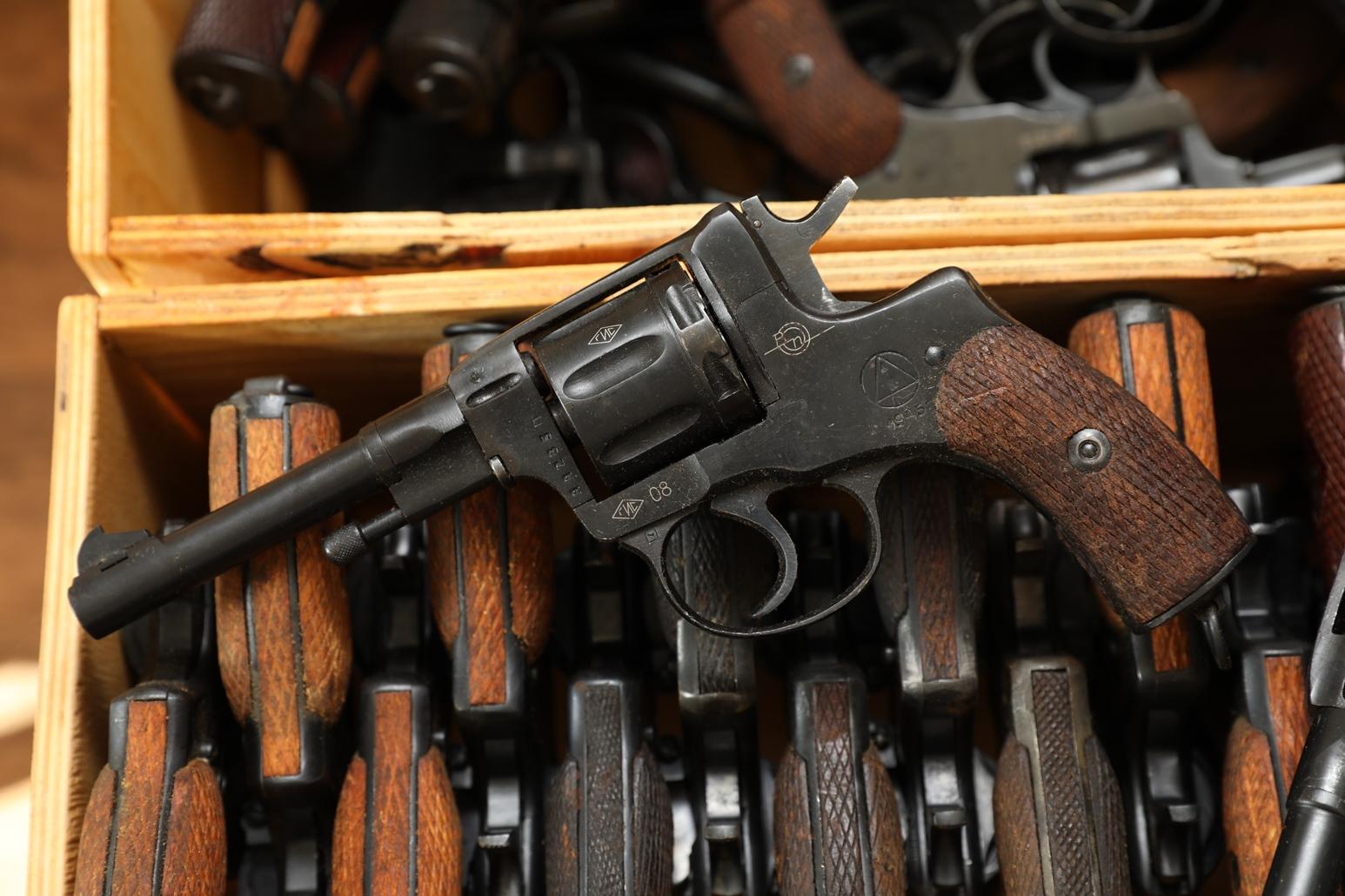 Фото Сигнальный револьвер Наган Блеф 1945 года №ЯЯ283