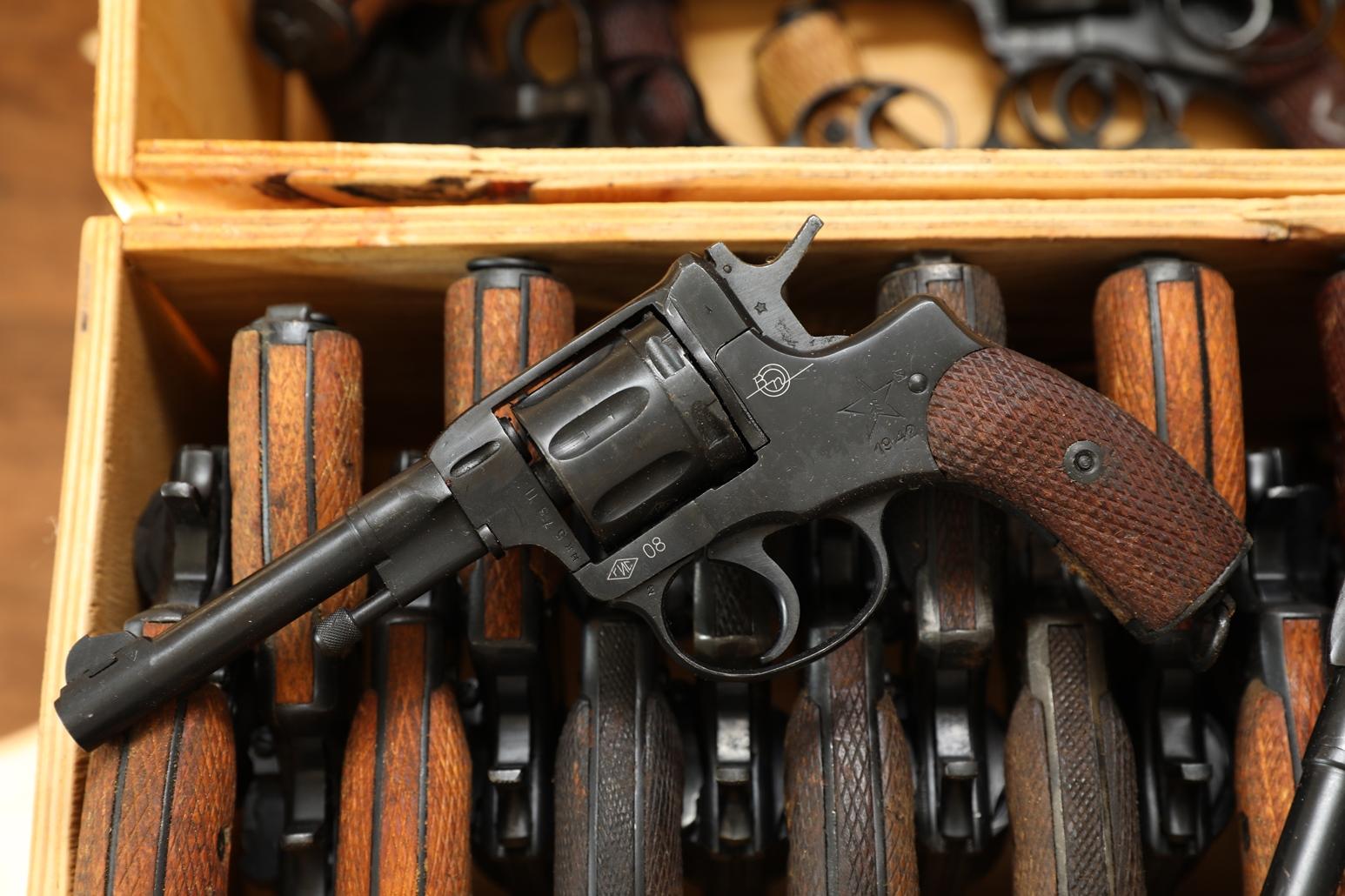 Фото Сигнальный револьвер Наган Блеф 1942 года №НК573