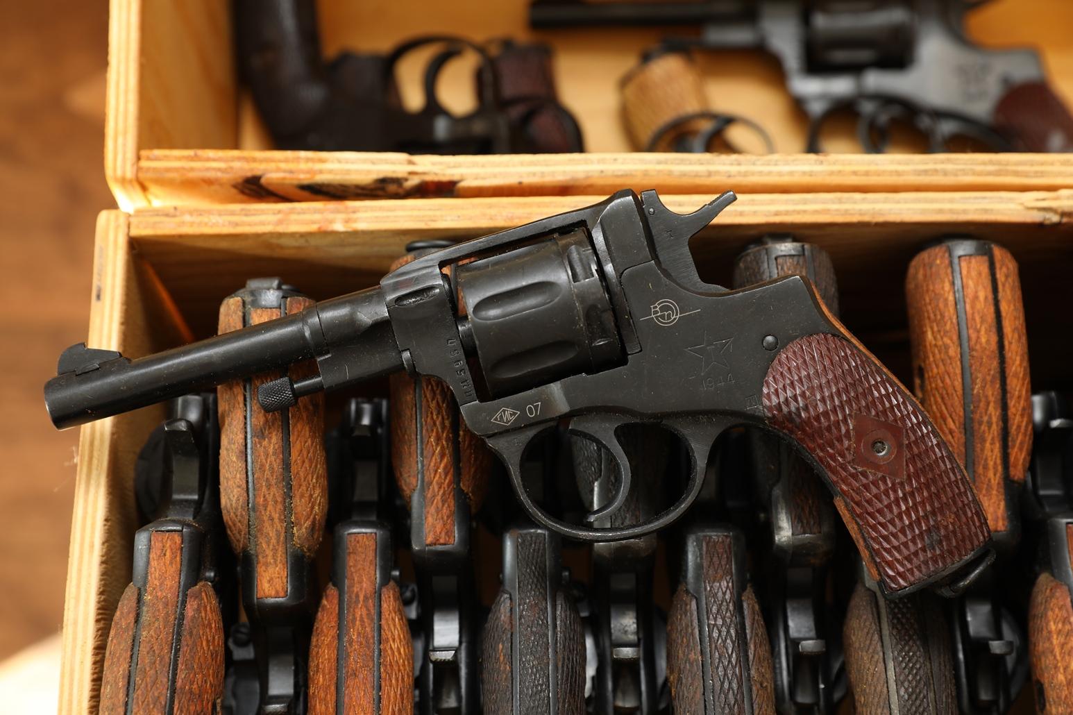 Фото Сигнальный револьвер Наган Блеф 1944 года №ПД595