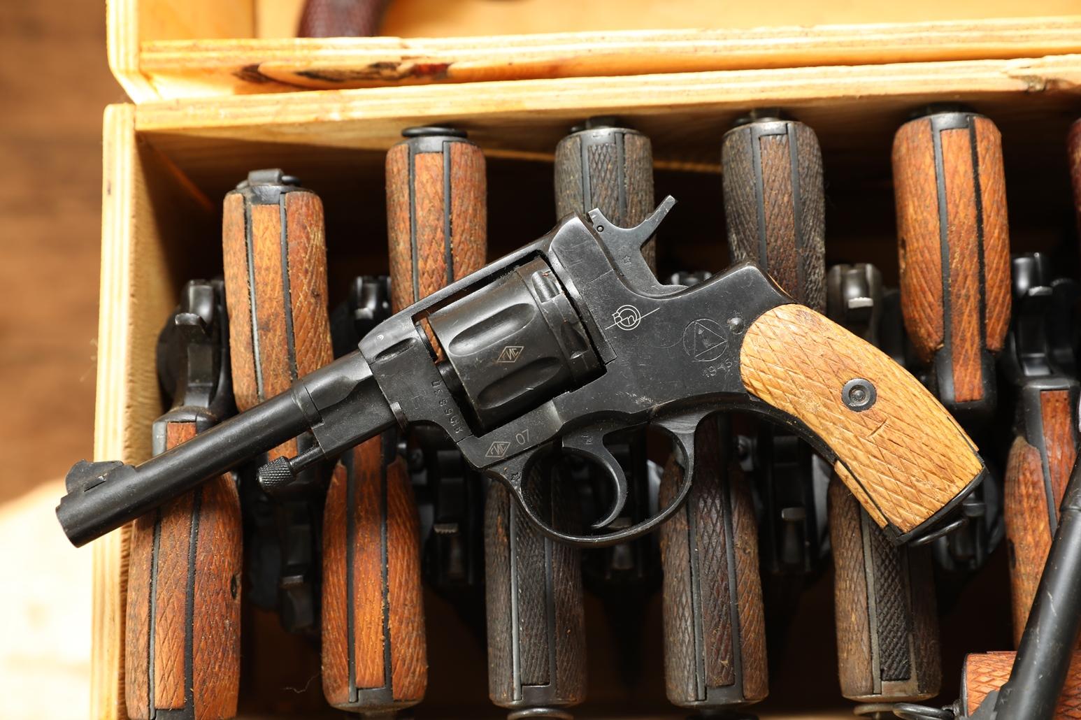 Фото Сигнальный револьвер Наган Блеф 1945 года №ЯЮ683
