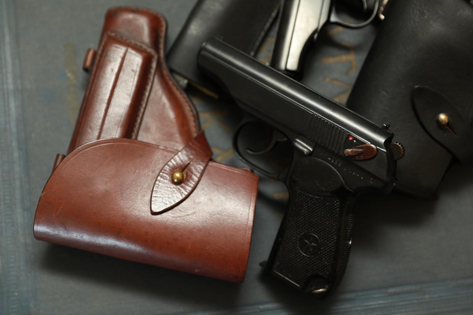 Фото Охолощенный пистолет Макарова ПМ-СО 1949 года №МП4985, родная затворная задержка