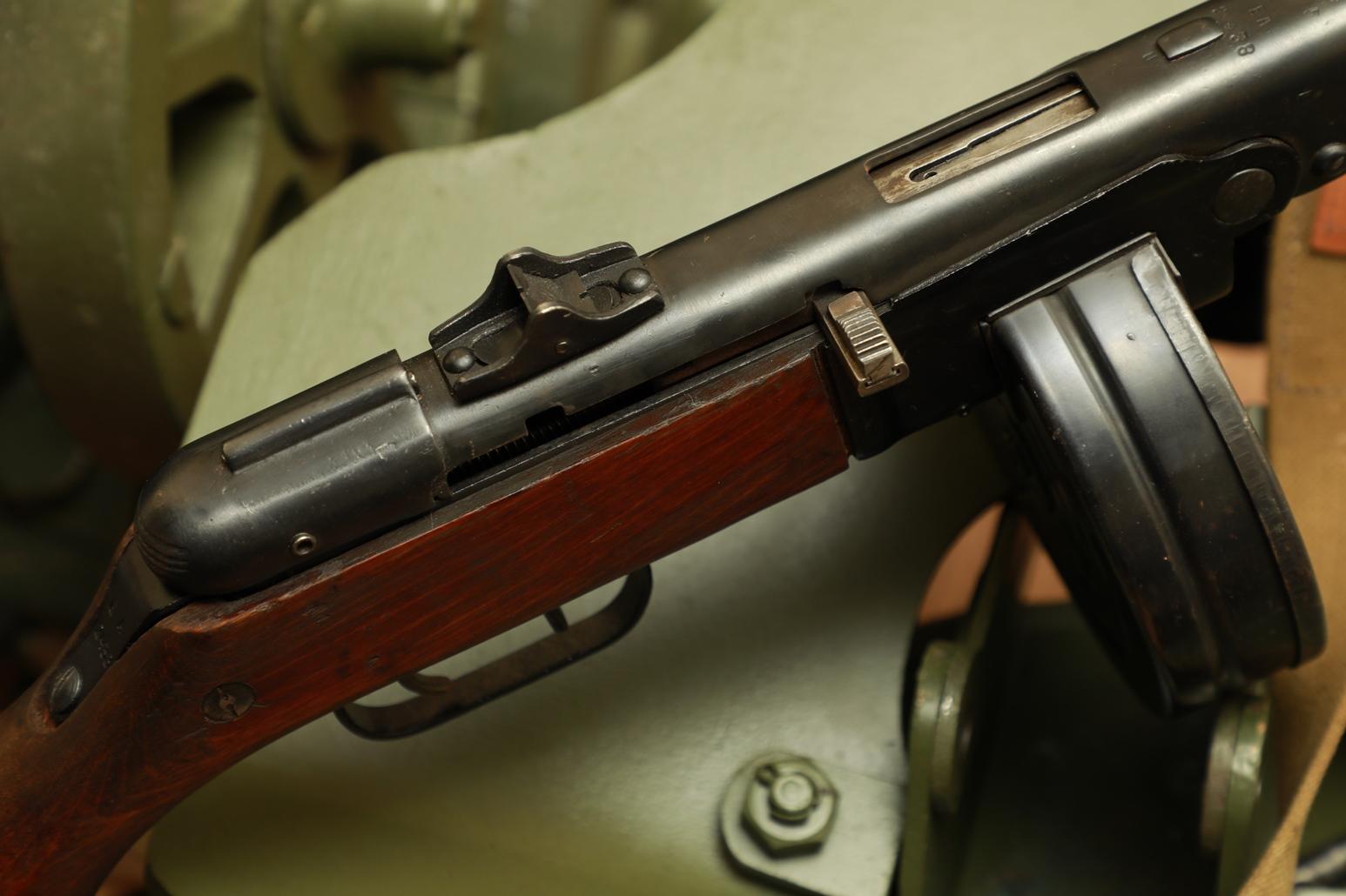 Фото Пистолет-пулемет Шпагина ППШ 1945 года, №ЕА2438