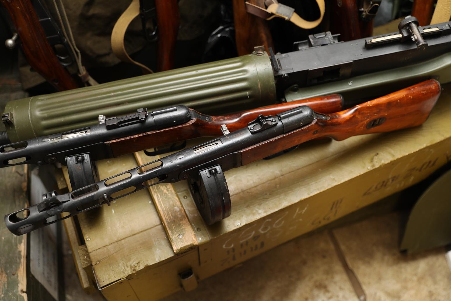 Фото Пистолет-пулемет ППШ 1942 год, №БА 717