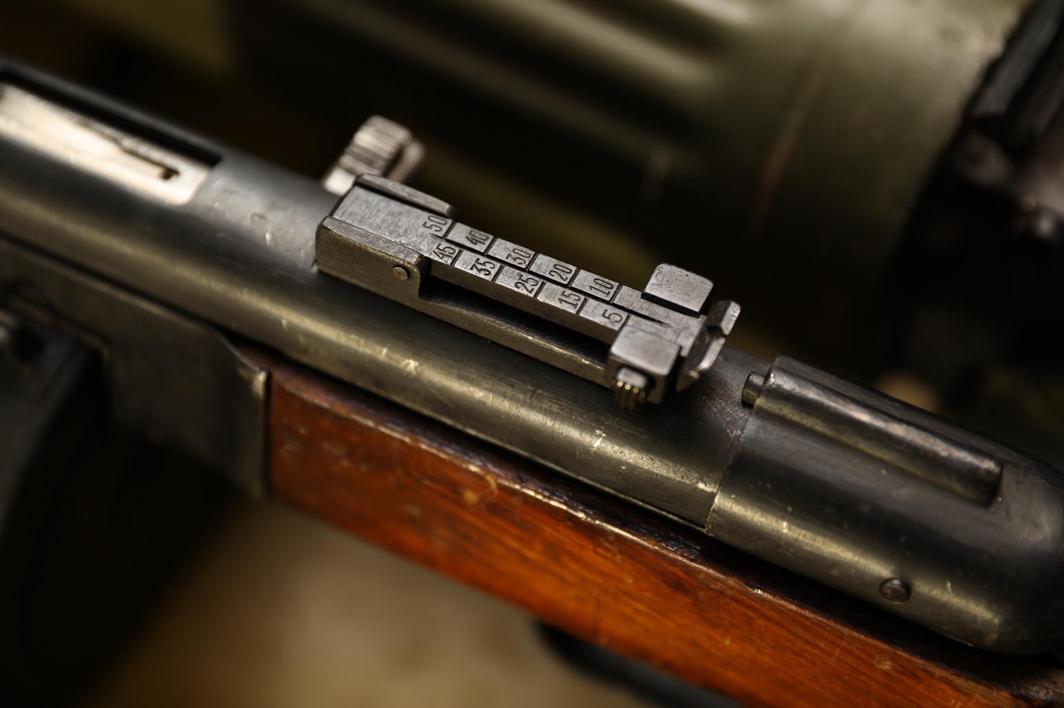 Фото Пистолет-пулемет ППШ 1942 год, №АБ 9084, секторный прицел