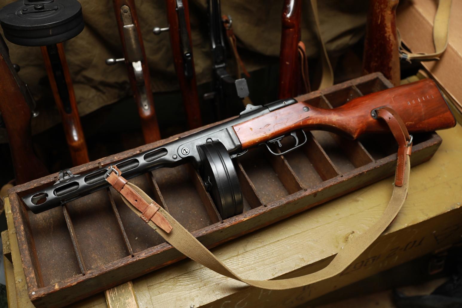 Фото Пистолет-пулемет Шпагина ППШ 1944 года, №ИЛ1142