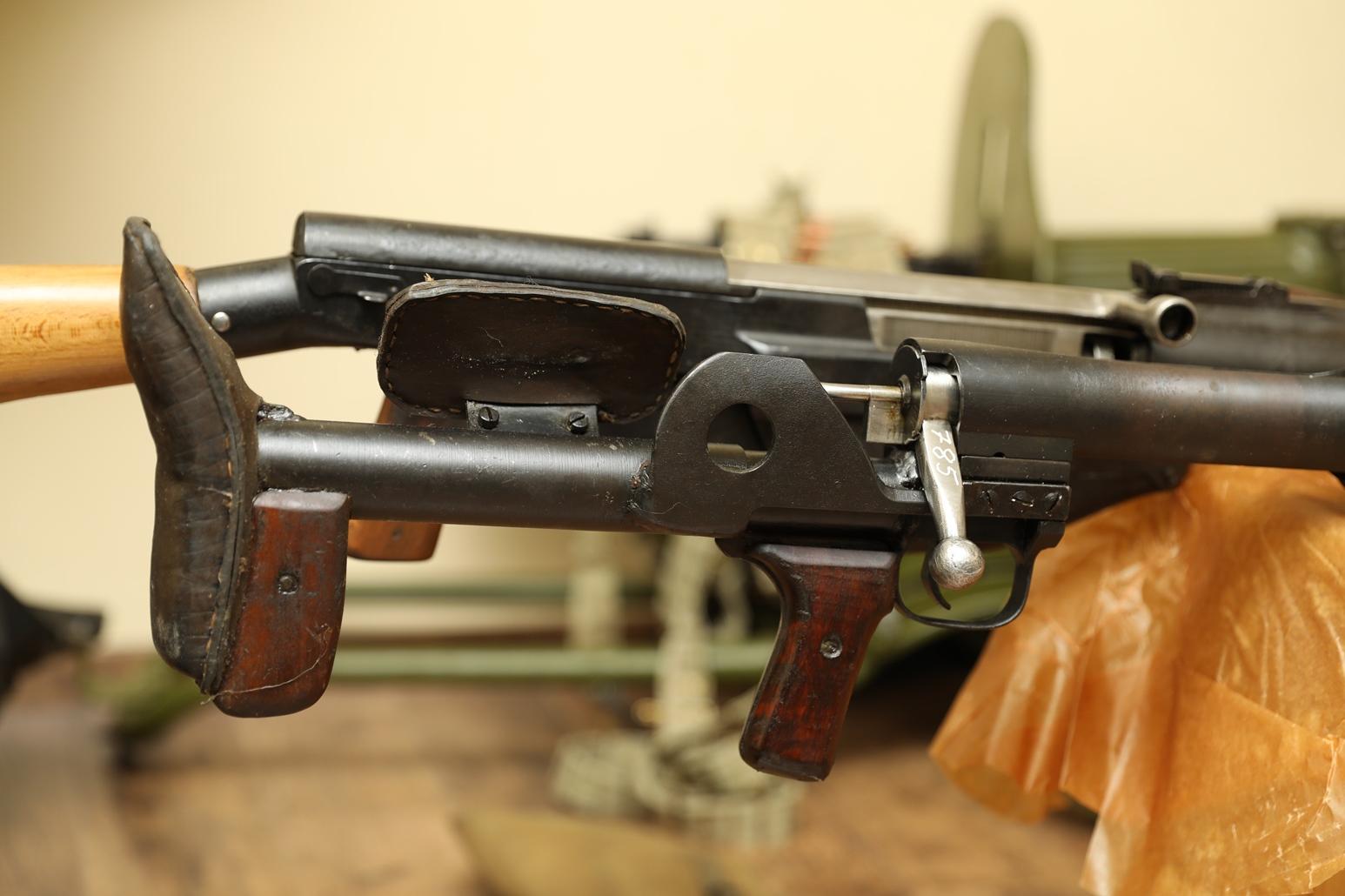 Фото Коллекция из двух противотанковых ружей: ПТРС 1942 года №МКЕ785 и ПТРД 1942 года №СГ2358