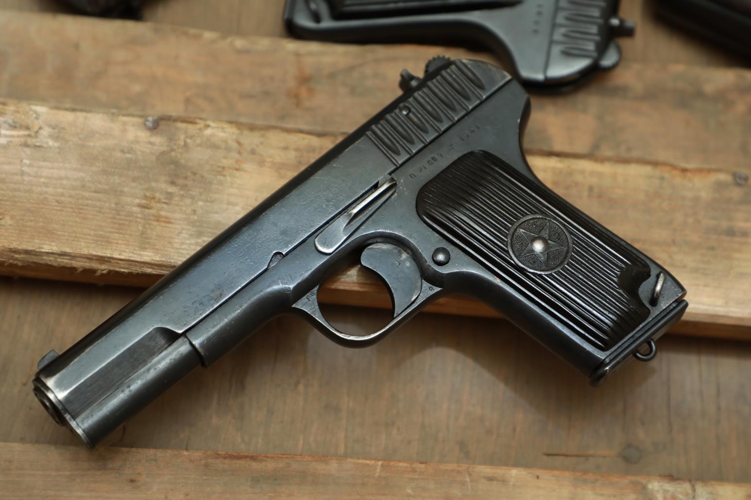 Фото Охолощенный пистолет ТТ 1941 года №ПР 1069