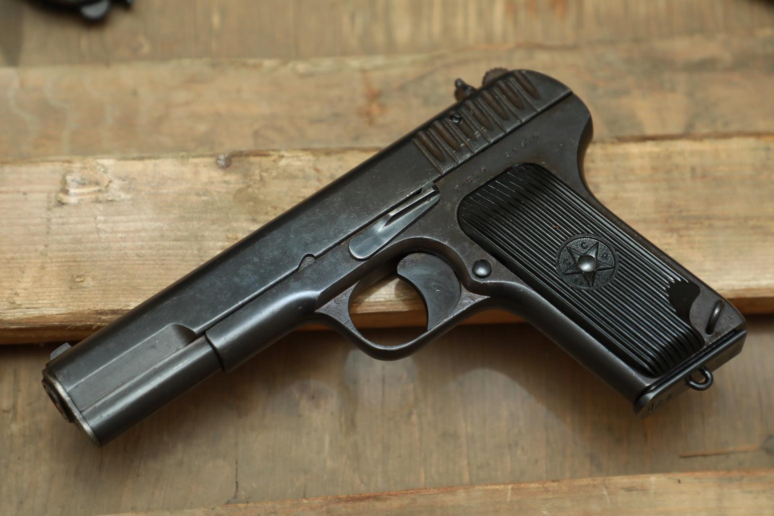 Фото Охолощенный пистолет ТТ 1938 года №ХК 839