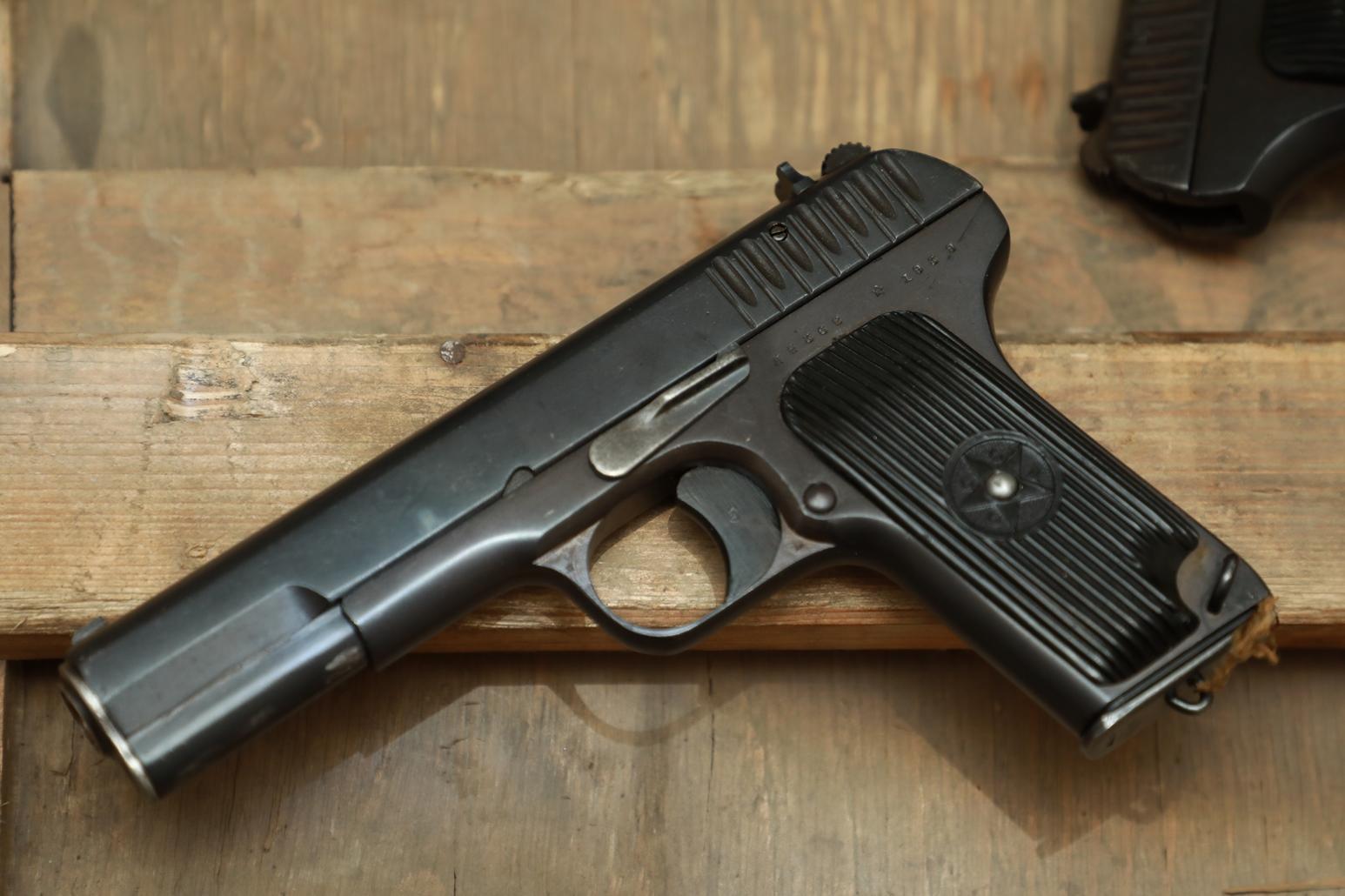 Фото Охолощенный пистолет ТТ 1939 года №ЛЕ 368