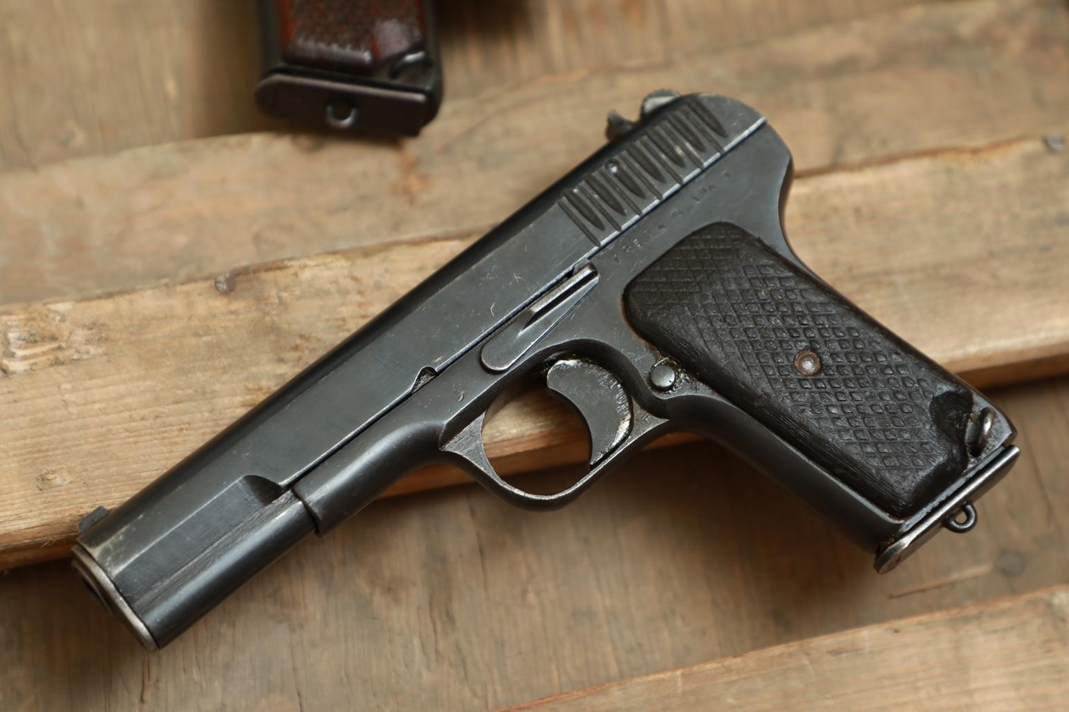 Фото Охолощенный пистолет ТТ 1943 года №ГР 524