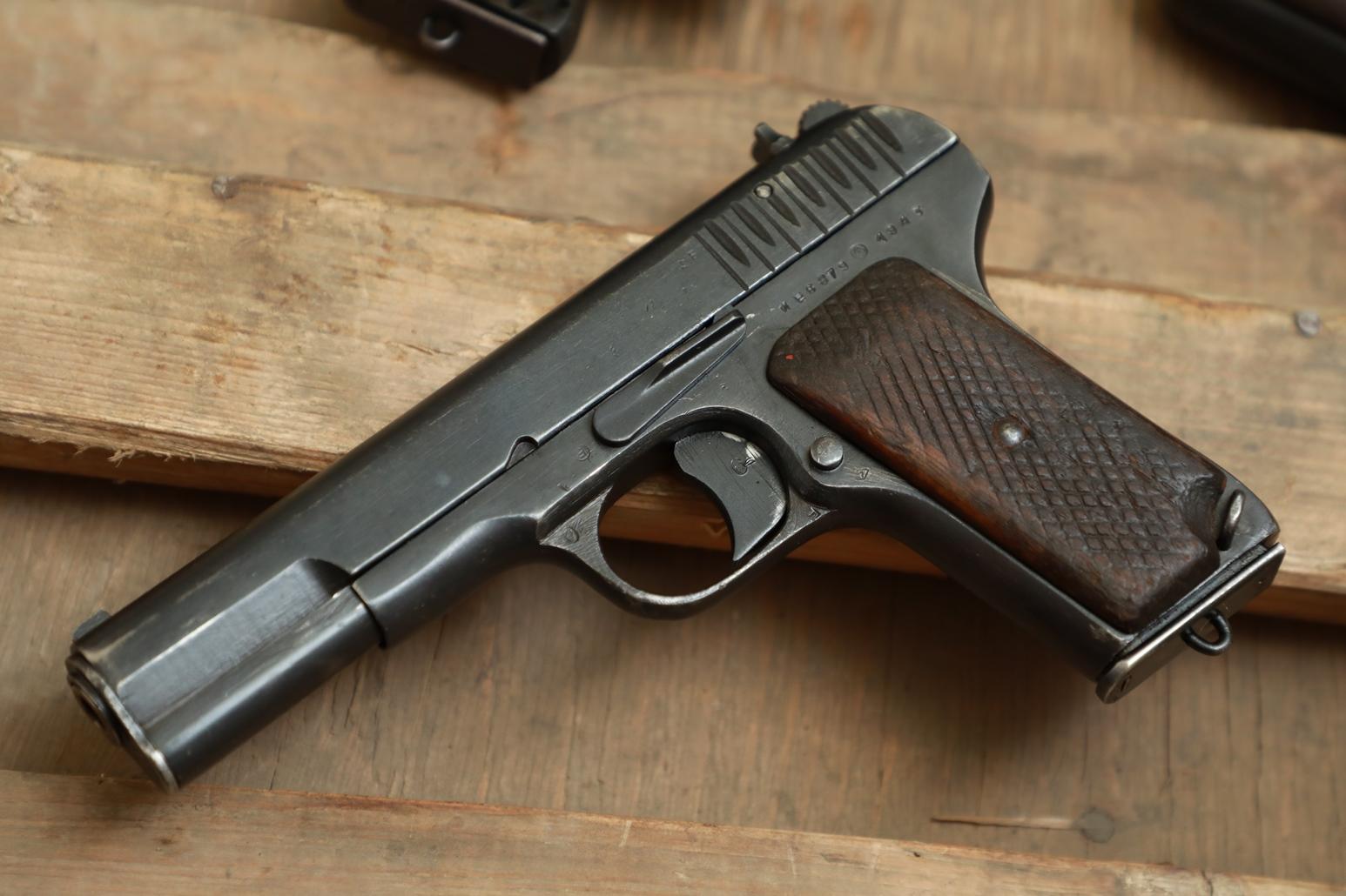 Фото Охолощенный пистолет ТТ 1943 года №ИЕ 6879