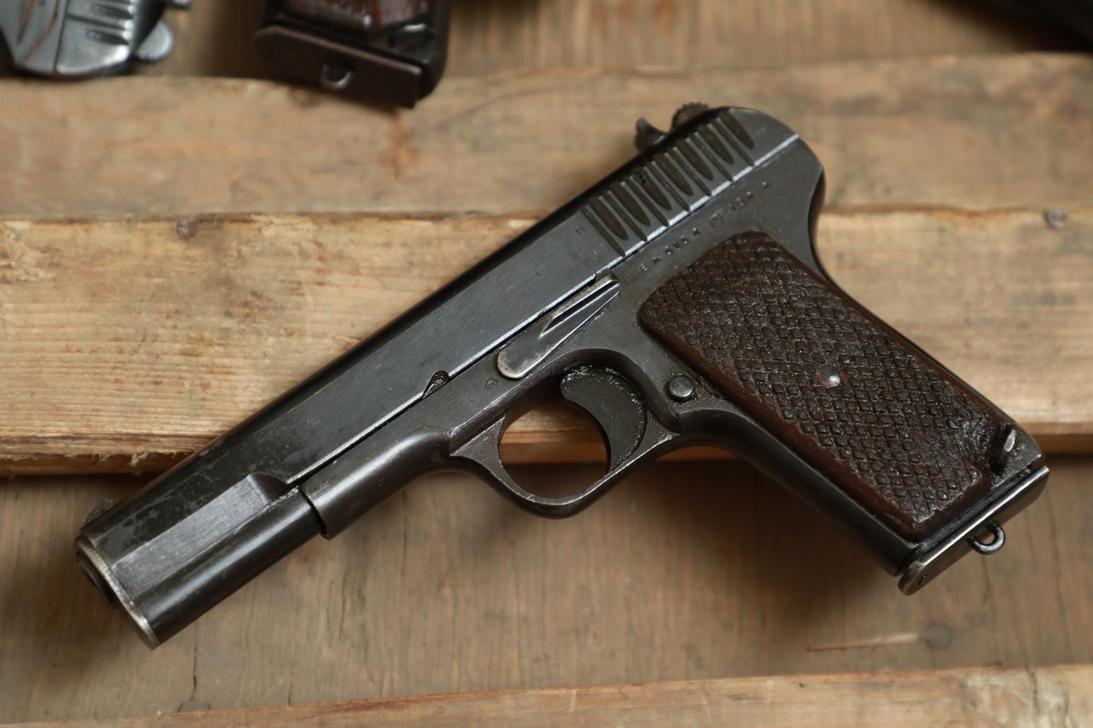 Фото Охолощенный пистолет ТТ 1944 года №ЕЖ 3134