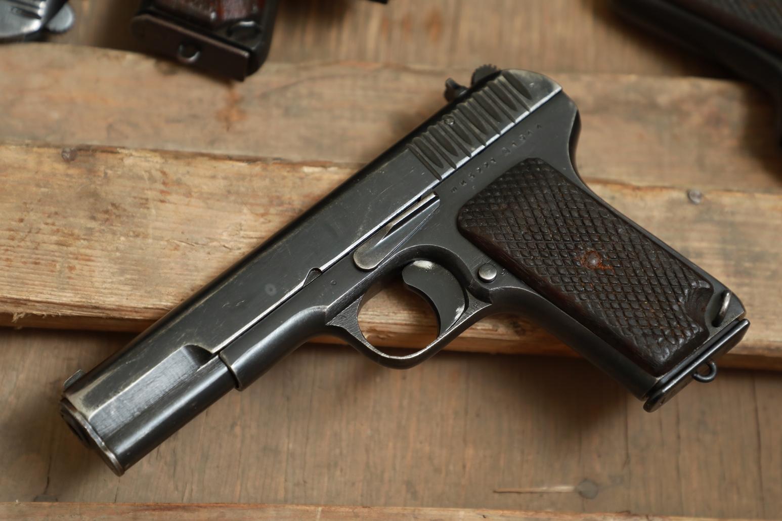 Фото Охолощенный пистолет ТТ 1944 года №ШИ 3221
