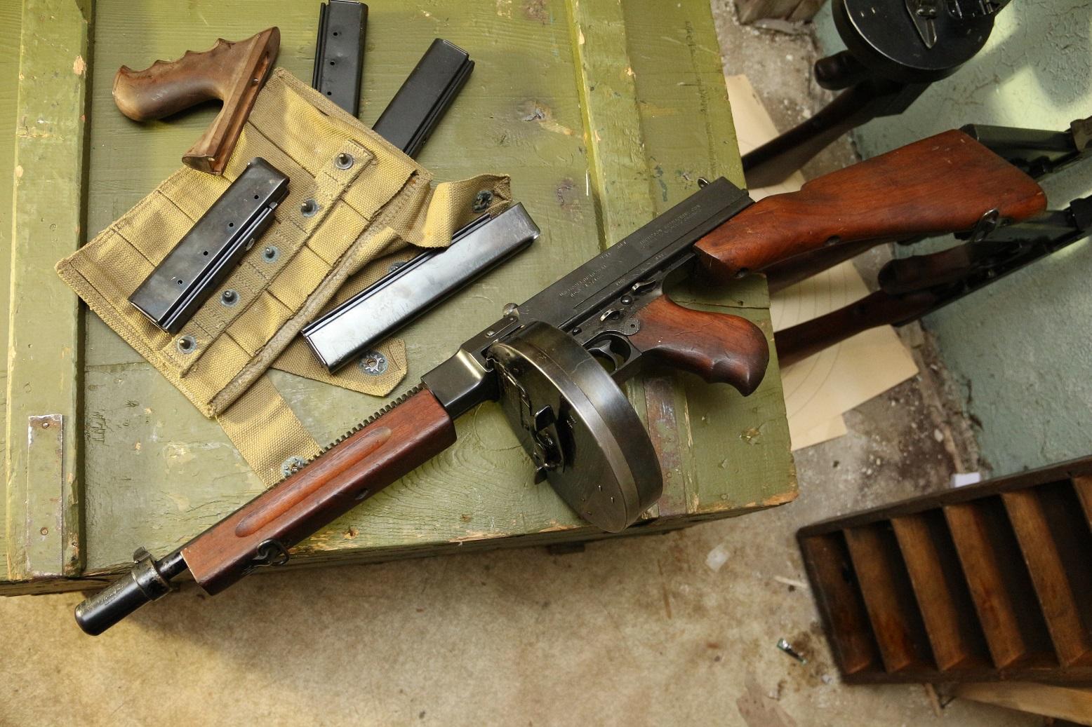 Фото Пистолет-пулемет Томпсон 1928а1 #427166, рифленый ствол