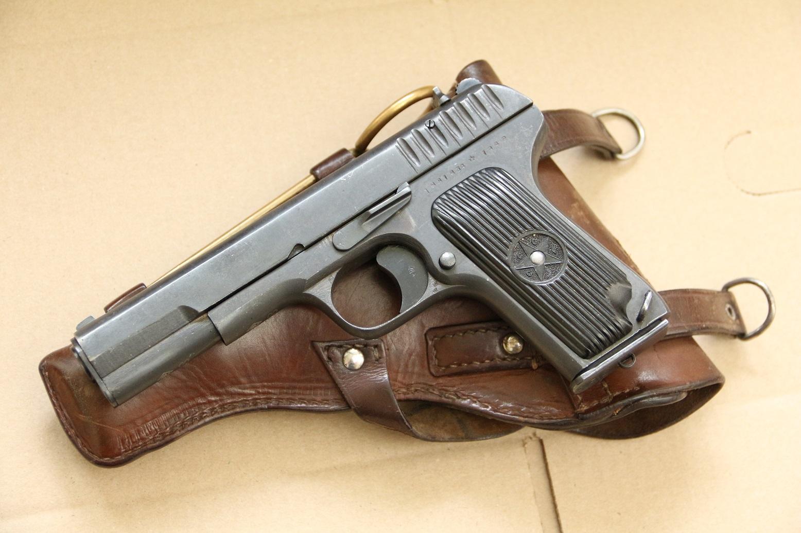 Фото  Охолощенный пистолет ТТ-СХ 1942 года, №НА 1634, тульская звезда