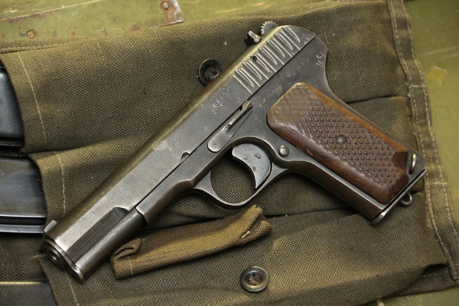 Фото Пистолет ТТ 1943 года, №АЛ4942, фронтовик
