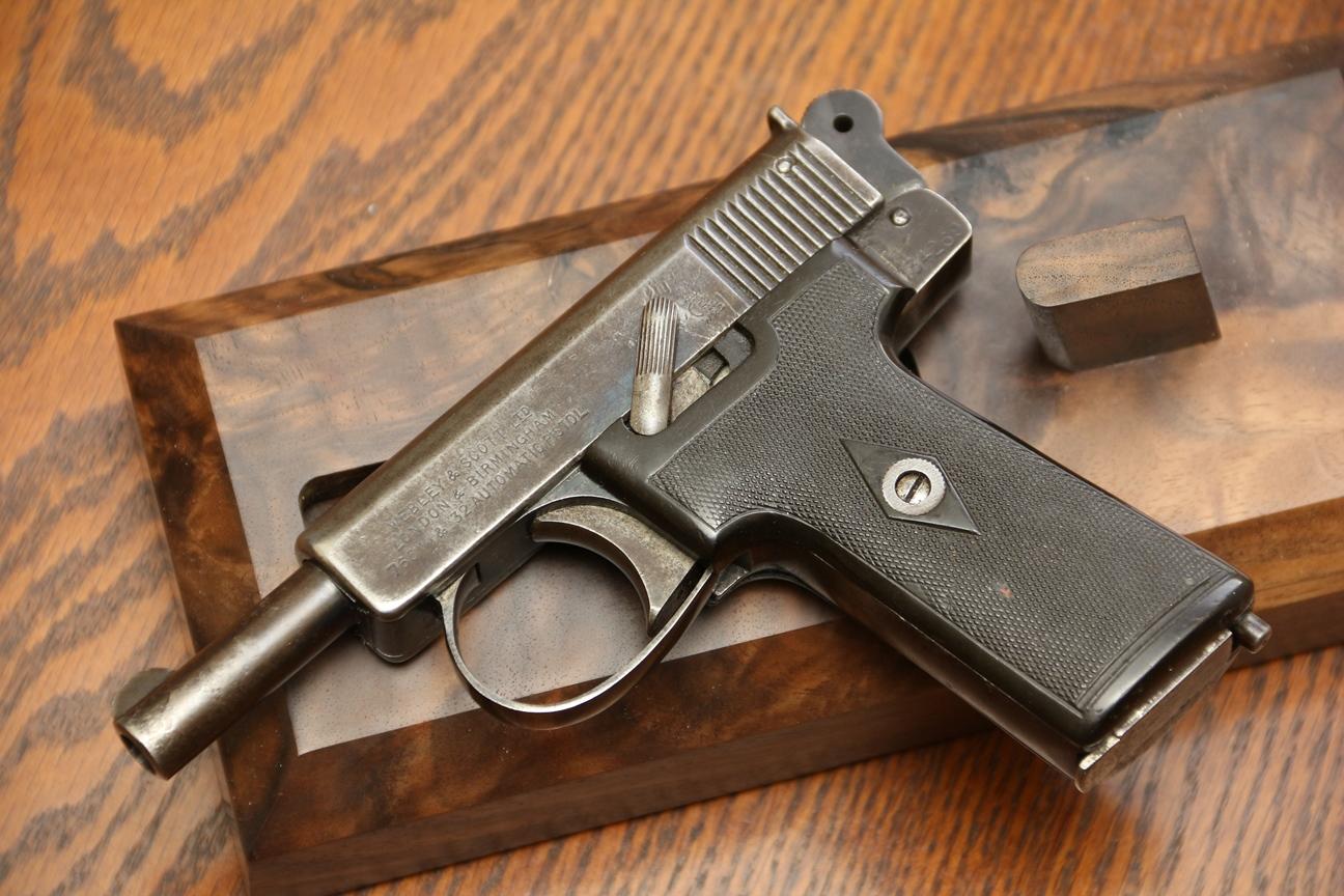 Фото Пистолет Webley & Scott M 1906 №134269, персидские клейма